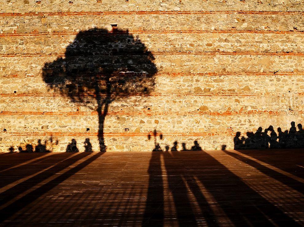 shadow-wall-turkey_90429_990x742